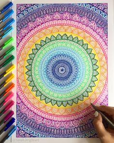 Mandala Doodle, Mandala Art Lesson, Mandala Artwork, Mandala Painting, Doodle Art Drawing, Mandala Drawing, Cool Art Drawings, Colorful Drawings, Arte Sharpie