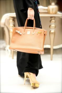 Abaya with an amazing bag and gorgeous shoes