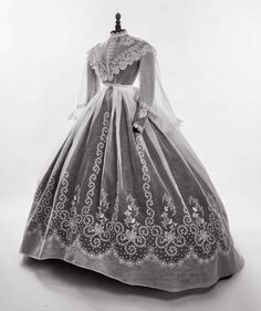 Historical fashion and costume design. Civil War Fashion, 1800s Fashion, 19th Century Fashion, Edwardian Fashion, Vintage Fashion, Gothic Fashion, Antique Clothing, Historical Clothing, Vintage Gowns