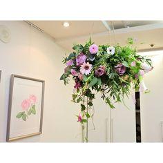 Instagram의 아뜰리에로망(@atelier_romance) 꽃주문 및 클래스문의 카톡아이디 floristjulie  www.atelier-romance.co.kr #꽃 #플라워 #플로리스트 #flower #flowers #florist #꽃다발 #미니다발 #핸드타이드 #handtied #bouquet #꽃바구니 #플라워박스 #꽃주문 #행잉플라워 #hangingflower  #꽃선물 #플라워레슨 #플라워클래스 #강남역꽃집 #강남꽃집 #작업실 #아뜰리에로망 #atelier_romance