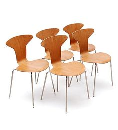 Mosquito Chairs 5x model 3105 moulded teak plywood seats connected to chromed bent tubular steel base with rubber cap feet design Arne Jacobsen 1955 executed by Fritz Hansen / Denmark