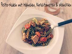 Pesto-Nudeln mit Hähnchen, Kirschtomaten & Walnüssen - mehr auf http://abnehmen30.de