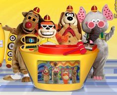 Tra La La, La La La Laaaaa...The Banana Splits - a favourite TV show of the late sixties.