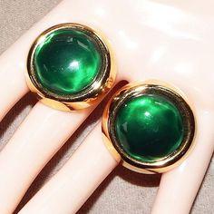 Vintage 1980s Oscar De La Renta Green Gold Tone Clip Earrings #OscarDeLaRenta #ClipOn