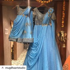 Mom and daughter duo ! Mom Daughter Matching Outfits, Mommy Daughter Dresses, Mom And Baby Dresses, Kids Party Wear Dresses, Party Wear Indian Dresses, Mother Daughter Fashion, Pakistani Fashion Party Wear, Mom Dress, Kid Dresses