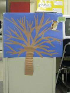 Exit ticket tree: students write one thing they learned from library lesson on a sticky note and put it on the exit tree as they line up to leave library