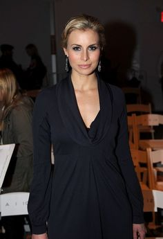 Niki Taylor Photos - Model Niki Taylor attends the R. Scott French 2008 fashion show during Mercedes-Benz Fashion Week Fall 2008 on February 2008 in New York City. Niki Taylor, Go Red, Dress Collection, Front Row, Supermodels, Mercedes Benz, Celebs, Events, French