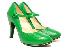 YIPES! In green too!!! repetto #shoeporn