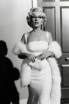 Costume Marilyn Monroe, Style Marilyn Monroe, Arte Marilyn Monroe, Marilyn Monroe Photos, Marilyn Monroe Outfits, Marilyn Monroe Wallpaper, Marilyn Monroe Hairstyles, Marilyn Monroe Makeup, Old Hollywood Glamour