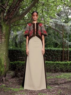 Givenchy Fall 2012 Couture - Review - Fashion Week - Runway, Fashion Shows and Collections - Vogue - Vogue