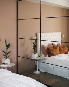Peach and rust tones in an elegant Norwegian house - Cute Dorm Rooms, Cool Rooms, Decoration Bedroom, Ideas Hogar, Scandinavian Home, Elegant Homes, My New Room, Norwegian House, Interiores Design