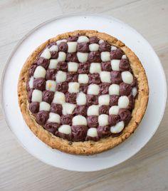 Crostata con ganache al cioccolato e crema di yogurt agli agrumi