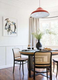 The Griffith Park Dining Nook Reveal + Get The Look - Emily Henderson A custom table and custom art sure can make a simple room feel really special. Thanks to artist, Jackie Leishman and Decor, Dining Room Design, Dining Room Inspiration, Dining Nook, Modern Dining, Interior Design, Home Decor, Simple Room, Dining Table