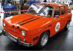 El Renault 8 (Renault R8 hasta 1964) es un automóvil de segmento C producido por la fábrica francesa Renault durante la década de 1960 y principios de la década de 1970. El 8 fue lanzado al mercado en...