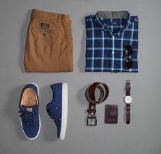 October already?  Hope everyone has a nice week!  Shirt: @jcrew  Chinos: @bananarepublic  Shoes: @greatsbrand  Watch: @bottadesign  Watch strap: @shop_wornandwound  Wallet: @headlandsqg  Sunglasses: @kent.wang