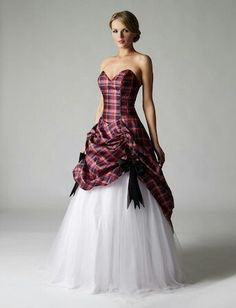 tartan wedding dresses for something different if you have Scottish connections - sadly I don't, but I love it so much I couldn't not pin it Tartan Wedding Dress, Scottish Wedding Dresses, Scottish Dress, Tartan Dress, Beautiful Wedding Gowns, Tartan Plaid, Gown Wedding, Blue Wedding, Pretty Dresses