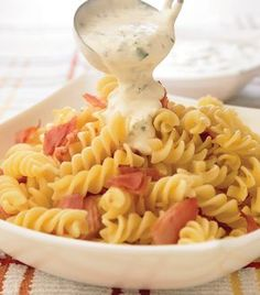 Pasta Recetas Tornillo 32 Ideas For 2019 Easy Pasta Dinner Recipes, Pesto Pasta Recipes, Pesto Recipe, Easy Chicken Recipes, Easy Meals, Pasta Dishes, Food Dishes, Pasta Facil, Cooking Recipes