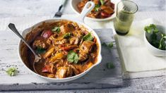 Chicken and vegetable balti
