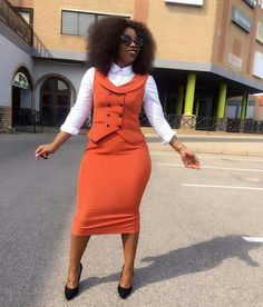 Gorgeous Clothes for latest african fashion look 122 Classy Work Outfits, Office Outfits Women, Chic Outfits, Fashion Outfits, Office Dresses, Fashion Blogs, Fashion News, Fashion Brands, Fashion Beauty