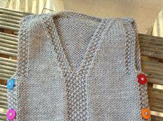 Schema per un caldo gilet di lana da neonato - Corredino a maglia e uncinetto - NostroFiglio.it