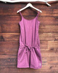 """@babadesign.ch shared a photo on Instagram: """"JUMPSUIT ein jumpsuit. nie im leben hätte ich gedacht dass in meinem schrank mal so ein ding hängen wird😂 lange waren es gür mich…"""" • Jul 31, 2020 at 6:54am UTC Rompers, Instagram, Dresses, Fashion, Do Your Thing, Fashion Women, Closet, Life, Vestidos"""