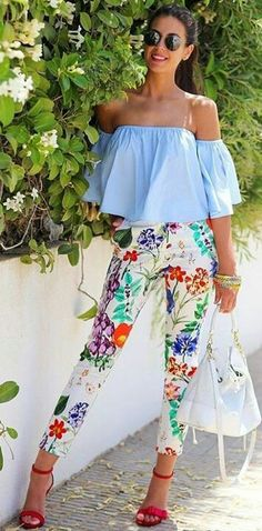 55 Ultimate Trending Summer Outfits To Wear Right Now Blue Ruffles + Floral Pants Summer Outfits 2017, Outfits For Teens, Spring Outfits, Casual Outfits, Cute Outfits, Spring Clothes, Casual Clothes, Look Fashion, Teen Fashion