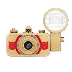 35mm Analog Kamera mit Blitz Lomography La Sardina Metal Edition - Beluga Lomography http://www.amazon.de/dp/B006GXPZ28/ref=cm_sw_r_pi_dp_5dlQub1CD6B37