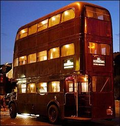 Oooo, would love to this one for a conversion! Bus Restaurant, Mobile Restaurant, Camper, Truck Tent, Big Red Bus, Food Truck Business, Cafe Concept, Bus Living, Double Decker Bus