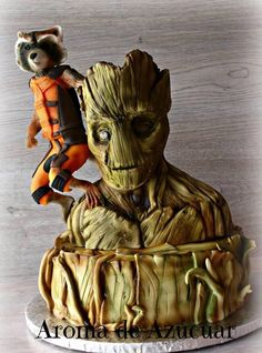 Terrific Rocket and Groot Cake made by Aroma de Azucar