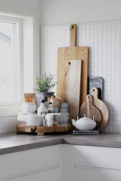 15 Neutral Kitchen Decor Ideas Kitchen decoration with utility junk Farmhouse Kitchen Decor, Kitchen Interior, Modern Farmhouse, Farmhouse Style, Country Kitchen, Kitchen Wood, Copper Kitchen, Modern Kitchen Decor, Modern Decor