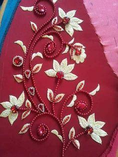 Pearl Embroidery, Kurti Embroidery Design, Tambour Embroidery, Hand Embroidery Flowers, Hand Work Embroidery, Flower Embroidery Designs, Embroidery Jewelry, Beaded Embroidery, Bead Embroidery Tutorial