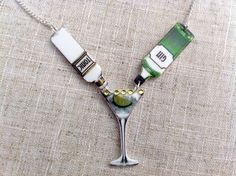 Gin and tonic - Gin necklace - Cocktail necklace - Gin lover - Quirky necklace - Statement necklace - Gin gift - Gin bottle Quirky Gifts, Unique Gifts For Her, Tonic Water, Gin Bottles, Glass Bottles, Tonic Cocktails, Gin Und Tonic, Collar Rosa, Gin Festival