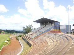 Estádio Olímpio Barreto - Apucarana (PR) - capacidade: 11 mil - Clube: Apucarana Sports