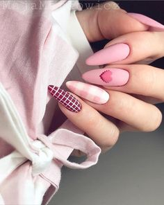 Semi-permanent varnish, false nails, patches: which manicure to choose? - My Nails Nail Design Glitter, Manicure Nail Designs, Valentine's Day Nail Designs, Acrylic Nail Designs, Nail Manicure, Nails Design, Glitter Gel, Pink Nails, My Nails