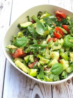 Hello, everybody! (said like that character from 2 broke girls) After I've abandoned this poor blog for two whole weeks now, today I'm back and I've got a very easy, super quick and mega healthy avocado, tomato and arugula salad recipe that I'm sure even the biggest vegetable haters will love. They will. At …