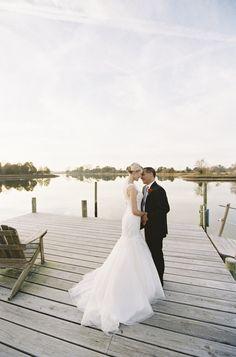 Rustic Potomac River elopement: http://www.stylemepretty.com/virginia-weddings/2016/01/25/intimate-rustic-potomac-river-elopement/ | Photography: Michael and Carina - http://michaelandcarinaphotography.com/