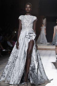 Tony Ward wedding dress http://itgirlweddings.com/fallwinter-2015-2016-paris-haute-couture-bridal-runways/