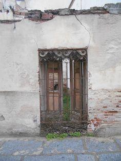 Casa en ruinas en el casco antiguo