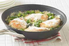 Hi Em, Thought this might be a quick and easy dinner idea for you.I'm gonna serve it over rice and call it a day! Love, Marms Cheesy Chicken 'n Broccoli Simmer Recipe - Kraft Recipes Snack Recipes, Dinner Recipes, Cooking Recipes, Healthy Recipes, Dinner Ideas, Dump Recipes, Atkins Recipes, Fish Recipes, Healthy Foods