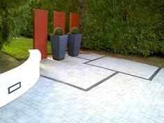 http://www.bourgognecreationpaysage.com/design-contemporain.php