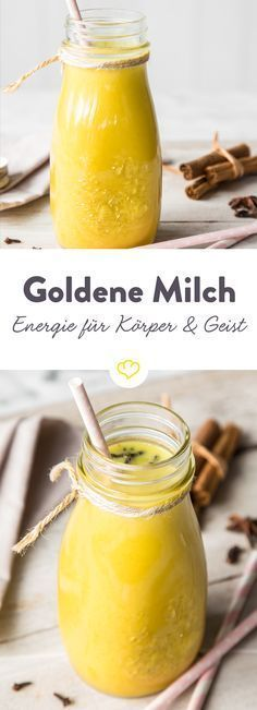 Goldene Milch – Der Zaubertrank für Körper und Geist The golden milk is a true miracle cure: an ayurvedic drink with almond milk and turmeric that makes you easy from the outside and inside. Best Smoothie, Smoothie Detox, Smoothie Drinks, Detox Drinks, Breakfast Smoothies, Smoothie Mixer, Protein Smoothies, Fruit Drinks, Green Smoothies