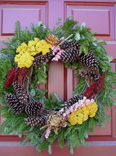 colonial williamsburg wreath made entirely out of natural materials - Colonial Williamsburg Christmas Decorations