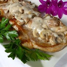 Easy Mushroom Pork Chops - transform cream of mushroom soup into a delicious simmering sauce by tossing in some chopped onion and sliced fresh mushrooms. Add to seasoned and sauteed pork chops and you have a rich and creamy meal. Pork Chop Recipes, Meat Recipes, Dinner Recipes, Cooking Recipes, Yummy Recipes, Dinner Ideas, Recipies, Skinny Recipes, Lunch Recipes