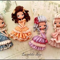 Goodmorning my sweet friends..I looked at the old collections and I wanted to make some aristocratic ladies .. what do you think?#polymerclaychibis #polymerclay #fimocreations  #fimo  #clayjewerly #ladies #vintage #dress
