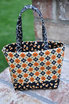 bitty bits   pieces  Tini Treat Bags Halloween Bags, Fall Halloween,  Handmade Purses ba7087a2a3