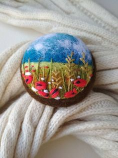 Poppy Brooches, Women's Brooches, Nuno Felting, Needle Felting, Polymer Clay Embroidery, Felt Decorations, Felt Brooch, Felt Hearts, Felt Animals