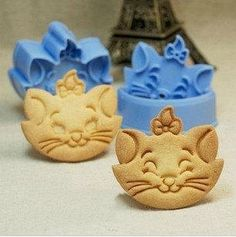 Marie Cat Fondant Toast Cookie Cutter Stencil by TorisPartyKitchen, $10.00