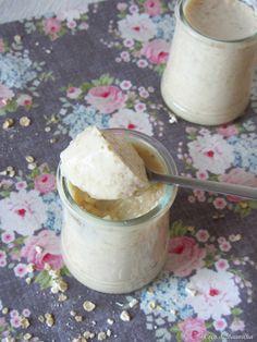 Coco e Baunilha: Iogurte de aveia, mel e canela