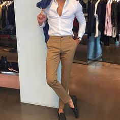 visit our website for the latest men's fashion trends products and tips . Latest Mens Fashion, Fashion Mode, Suit Fashion, Fashion Trends, Fashion Outfits, Smart Casual Men, Stylish Men, Mens Style Guide, Men Style Tips