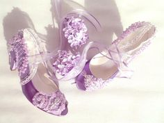 Embellished Lace Wedding Shoes, Lilac Embroidered Bridal Shoes with Low Heels Grey Wedding Shoes, Colorful Wedding Shoes, Converse Wedding Shoes, Wedge Wedding Shoes, Designer Wedding Shoes, Bride Shoes, Lilac Wedding, Trendy Wedding, Low Heel Shoes